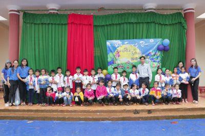 """""""Vui hội trăng rằm"""" tại trường Tiểu học Lê Mã Lương, xã Đăk R' Tih, huyện Tuy Đức, tỉnh Đăk Nông"""