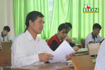 54 tuổi vẫn dự thi THPT Quốc gia