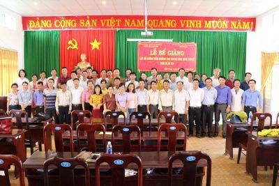 Hình ảnh Lễ bế giảng lớp Bồi dưỡng tiếng M'Nông cho cán bộ, công chức cấp xã theo Đề án 124 tại huyện Đăk Song